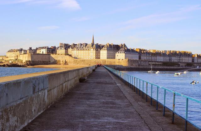 Le Chameau Bleu -  Fortifications de Saint Malo