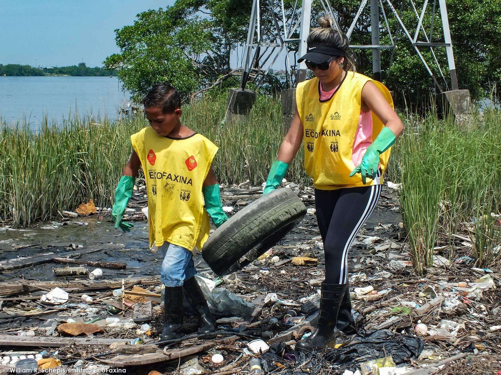 A educação ambiental é importante, mas se torna ineficaz quando falta política pública habitacional acompanhada por ações de recuperação e preservação ambiental.