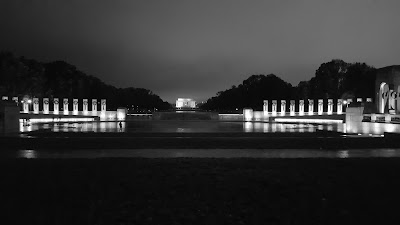 World War II Memorial & Lincoln Memorial