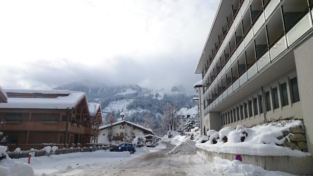 Hotel Schloss Lebenberg - außerhalb nahe Parkplatz