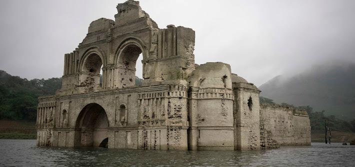 Siccità in Messico e il tempio riemerge dalle acque