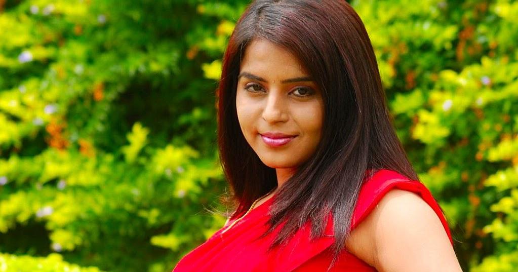 Indian Hot Actress: Actress Prachi Adhikari Sexy Hot Navel