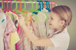 Como economizar comprando roupas infantis