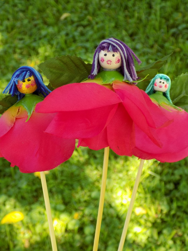 One savvy mom nyc area mom blog silk flower fairies a super ready to make your own silk flower fairies for your fairy garden this summer read on for the full supply list our easy step by step tutorial and more mightylinksfo