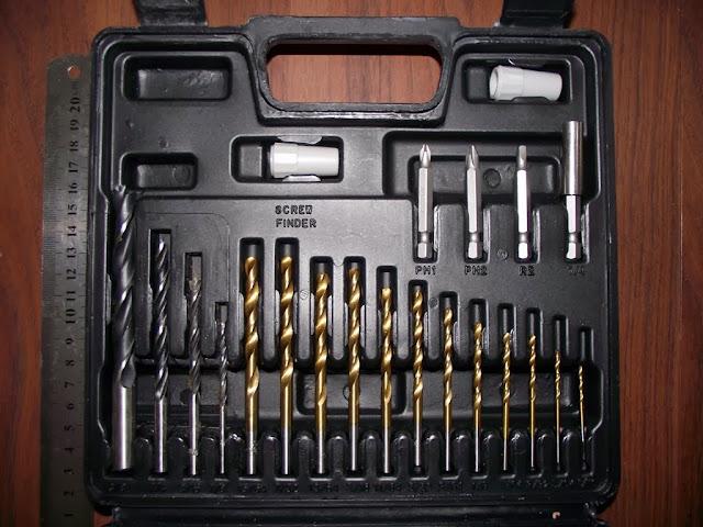 CD121K50 Furadeira Parafusadeira Black Decker kit de acessórios