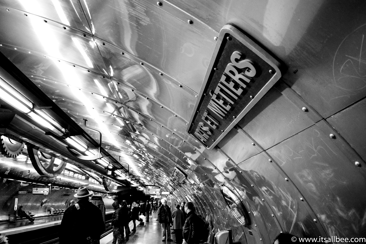 Paris Metro underground station | Paris Noir | Paris Street Views