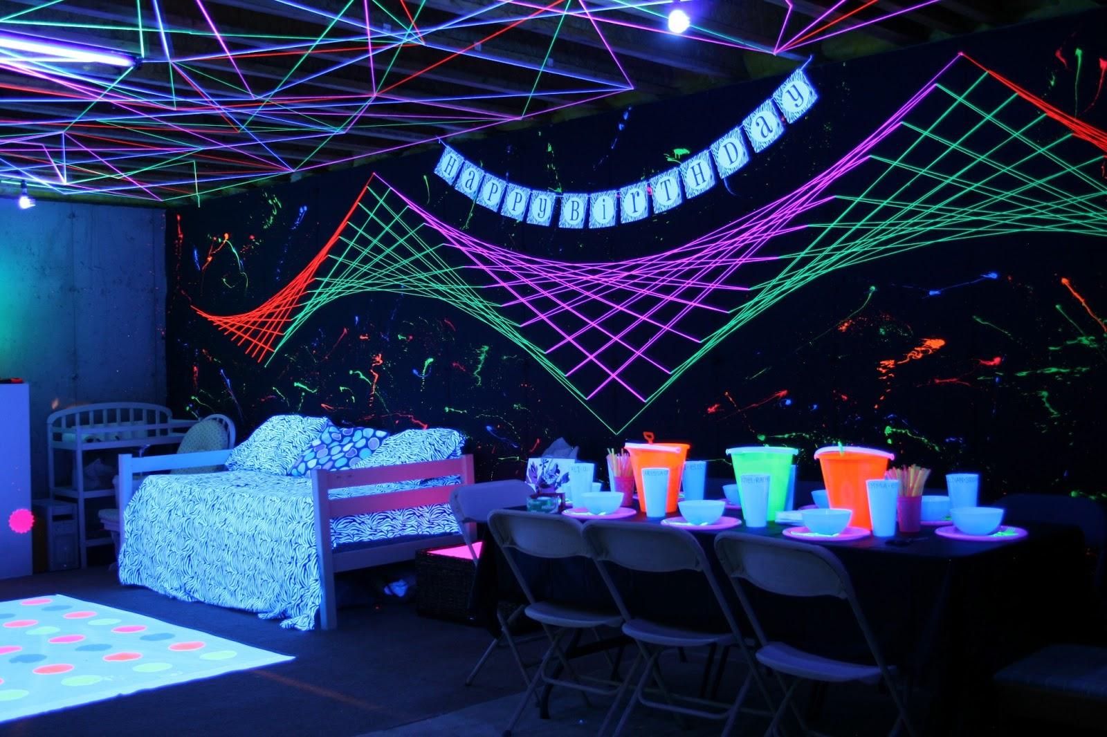 Glowing Trends: Glowing Yarn