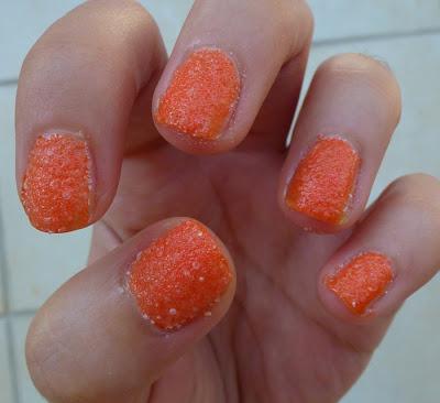 νύχια με αλάτι