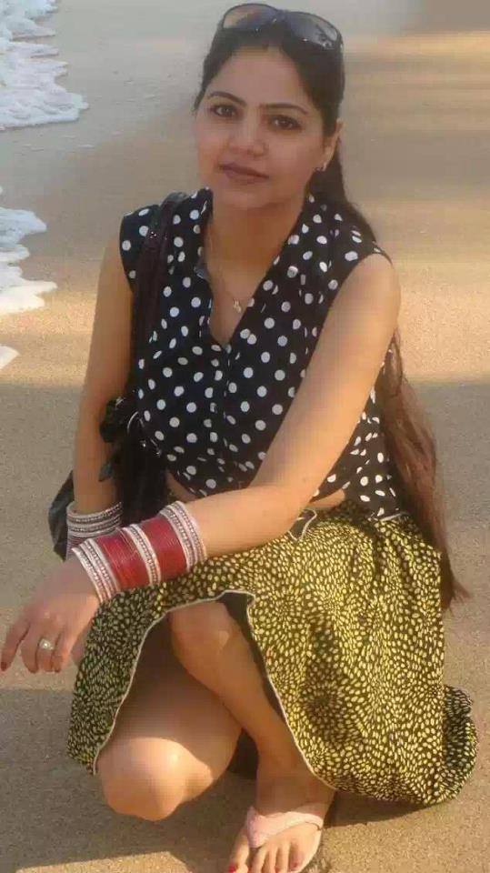 Indian Aunty Beautiful Photos  Damn Sexy-1118