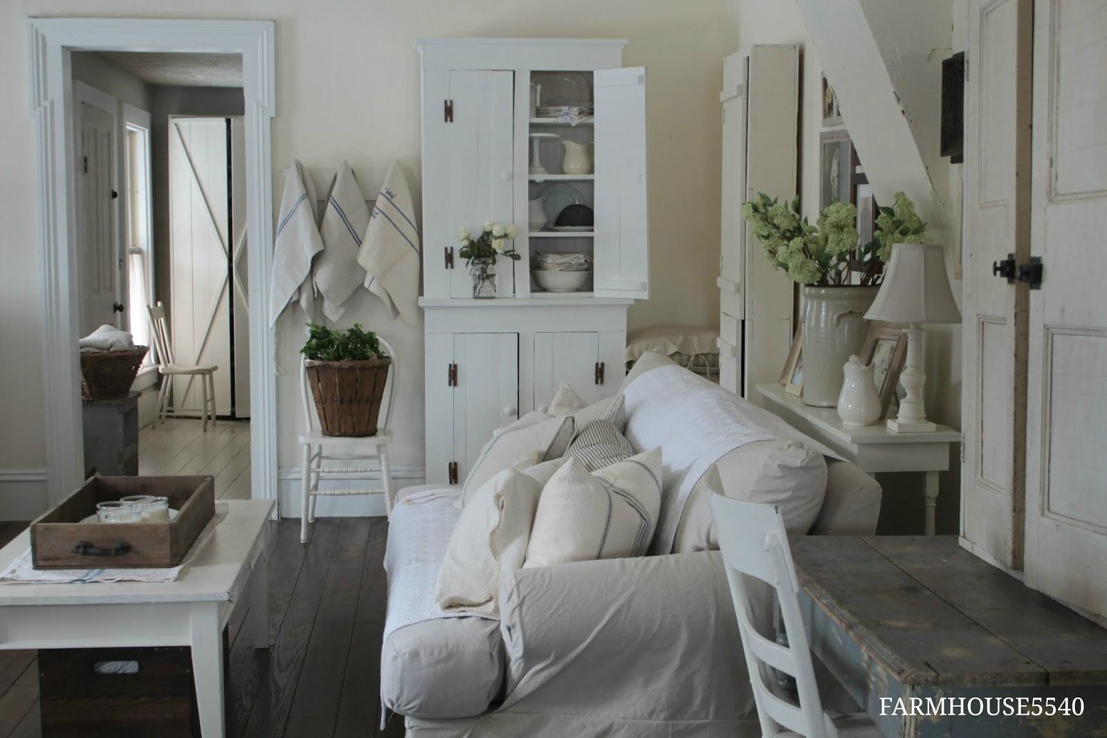 FARMHOUSE 5540: Farmhouse Living Room