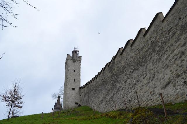 estos da muralha medieval da cidade (Museggmauer)
