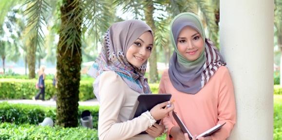 Inilah Beberapa Pertanyaan Tentang Aurat Perempuan Lebih Bnyak Daripada Laki - Laki