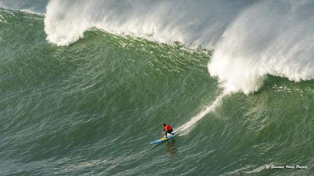 Surf de olas grandes en Punta Galea Challenge por El Guisante Verde Project