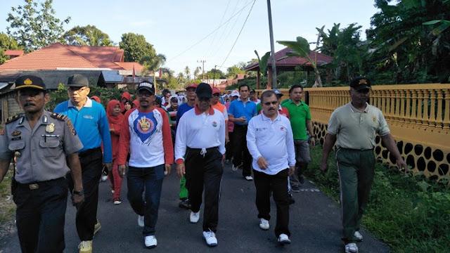 Harganas Ke XXIV di Padang Pariaman Dimeriahkan Dengan  Gerak Jalan Sehat