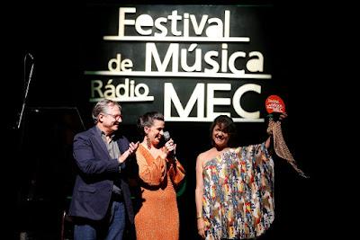 Festival_de_Musica_da_Radio_MEC_entrega_de_um_dos_premios_Credito_Fernando_Frazao_Agencia_Brasil