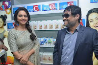 Rakul Preet Singh in a Designer saree at Launch of BIG C Show room at  Kurnool ~ Celebrities Galleries 027.jpg