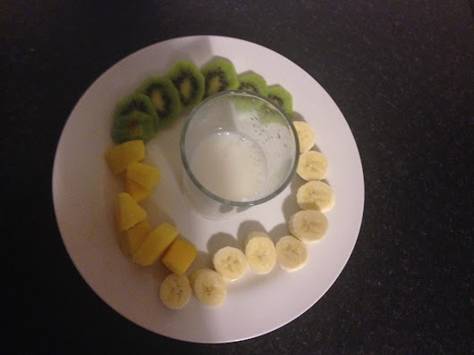 Banana, Kiwi and Mango Smoothie