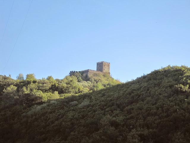 Castillo de Doiras en Cervantes