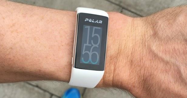 Polar v смарт-часы polar v — это флагманские спортивные часы от polar, созданные совместно с ведущими триалетами, в том числе чемпионами ironman.