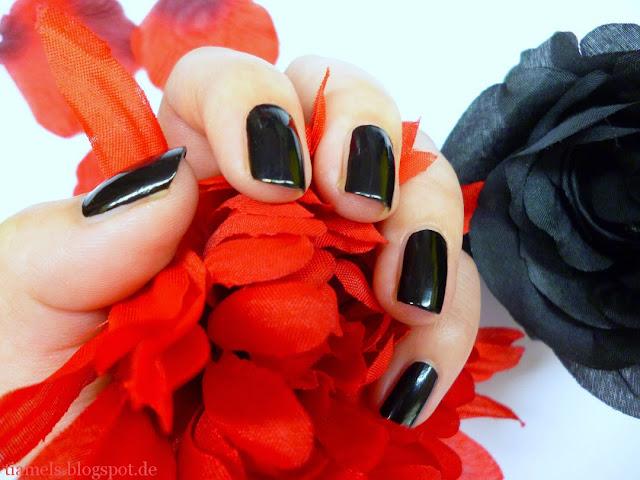 http://tiamels.blogspot.de/2013/07/nails-lacke-in-farbe-und-bunt-schwarz.html