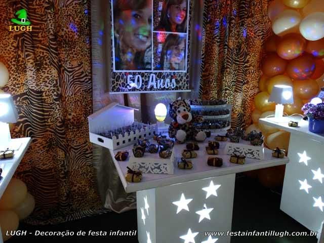 Mesa decorada da Oncinha - Festa de aniversário de meninas