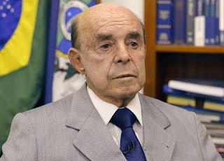 Governo do Rio usará repasse federal para pagar salários atrasados.