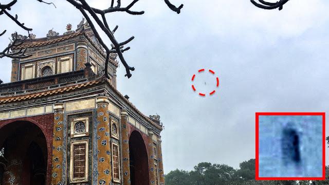 Long UFO Over Asian Temple In Vietnam Hue%252C%2BVietnam%252C%2BAsia%252C%2BUFO%252C%2BUFOs%252C%2Bsighting%252C%2Bsightings%252C%25E4%25B8%258D%25E6%2598%258E%25E9%25A3%259B%25E8%25A1%258C%25E7%2589%25A9%25EF%25BC%258C%25E7%259E%2584%25E6%25BA%2596%25EF%25BC%258C%25E5%25A4%2596%25E6%2598%259F%25E4%25BA%25BA%252C%2B%25D0%259D%25D0%259B%25D0%259E%252C%2B%25D0%25B2%25D0%25B8%25D0%25B7%25D0%25B8%25D1%2580%25D0%25BE%25D0%25B2%25D0%25B0%25D0%25BD%25D0%25B8%25D0%25B5%252C%2B%25D0%25B8%25D0%25BD%25D0%25BE%25D0%25BF%25D0%25BB%25D0%25B0%25D0%25BD%25D0%25B5%25D1%2582%25D1%258F%25D0%25BD%25D0%25B5%252C%2BOVNI%252C%2Bobservation%252C%2Bextraterrestres%252C%25E0%25A4%25AF%25E0%25A5%2582%25E0%25A4%258F%25E0%25A4%25AB%25E0%25A4%2593%252C%2B%25E0%25A4%25A6%25E0%25A5%2583%25E0%25A4%25B7%25E0%25A5%258D%25E0%25A4%259F%25E0%25A4%25BF%252C%2B%25E0%25A4%258F%25E0%25A4%25B2%25E0%25A4%25BF%25E0%25A4%25AF%25E0%25A4%2582%25E0%25A4%25B8%252C%2B%25E7%259B%25AE%25E6%2592%2583%25E6%2583%2585%25E5%25A0%25B1%25E3%2580%2581%25E3%2582%25A8%25E3%2582%25A4%25E3%2583%25AA%25E3%2582%25A2%25E3%2583%25B3%252C%2Bwtf%252C%2B
