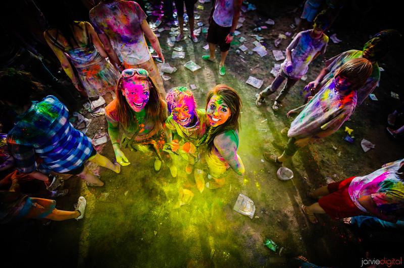ARTIFACTS BLOG: 色彩繽紛的春天禮讚 - Holi Color Festival