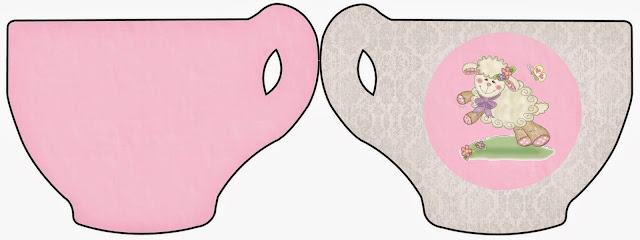 Tarjeta con forma de taza de Ovejita en Fondo Rosa.