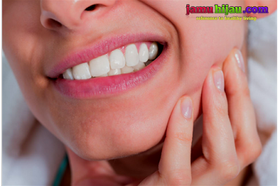 Obat sakit gigi alami yang manjur dan mujarab mudah di dapatkan di sekitar tempat tinggal atau hunian kita.