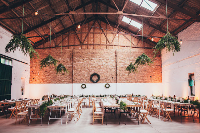 bodas blog lugar original espacio banquete industrial wedding