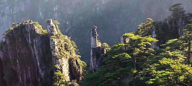 Pics granitiques au mont Huangshan