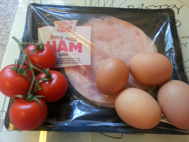Ham, eggs, tomatoes