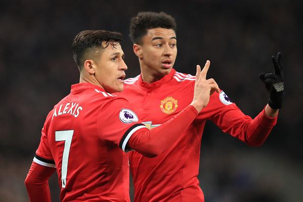 """Sanchez khiến MU """"náo loạn"""", Suarez bị lôi kéo đến Chelsea"""