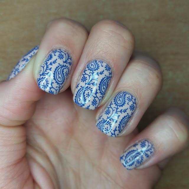 Paisley, pościelowe paznokcie