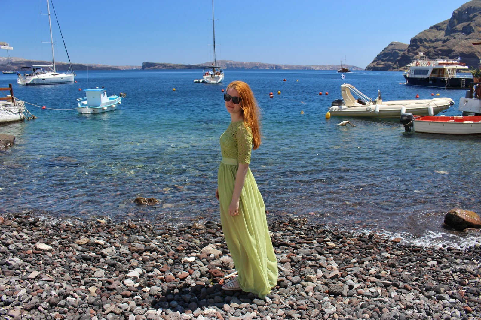 greece, lucie srbová, česká blogerka, blogerka, santorini, green dress
