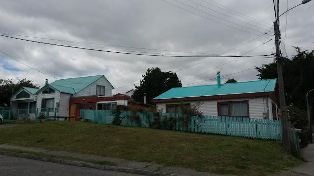 casa-tetto-verde-acqua