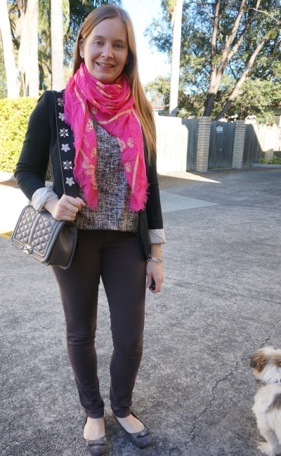 Printed tank with neon pink Alexander McQueen skull scarf jersey blazer skinny jeans | away from blue