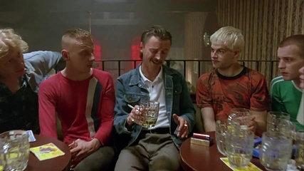 Les cinq acteurs principaux de Trainspotting (1996), réalisé par Danny Boyle