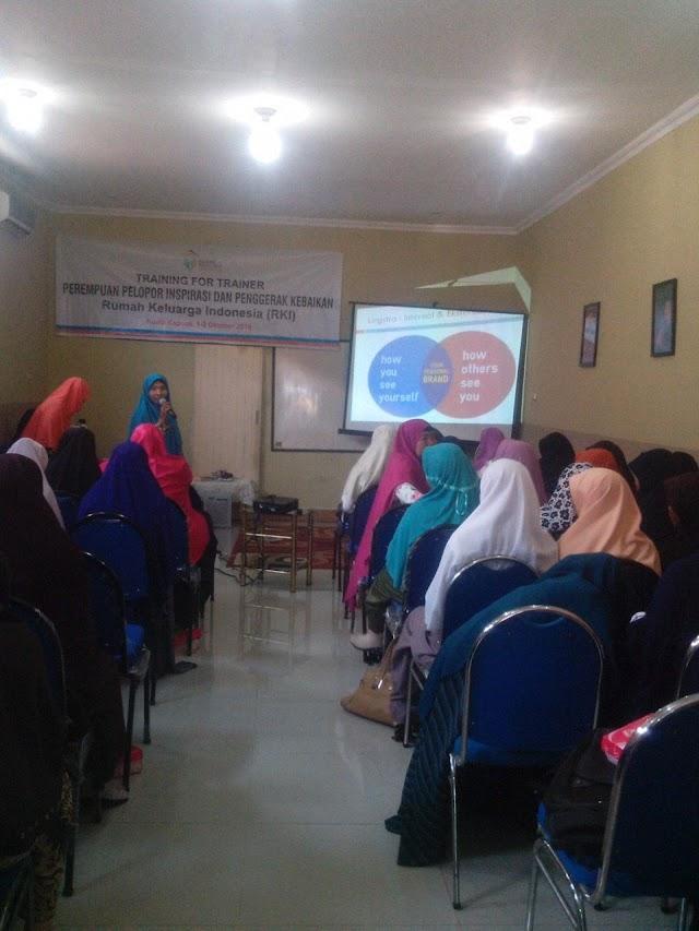 Tahun Baru Islam Bidang Perempuan dan Ketahanan Keluarga Motivasi Kader Perempuan DPD PKS Kapuas