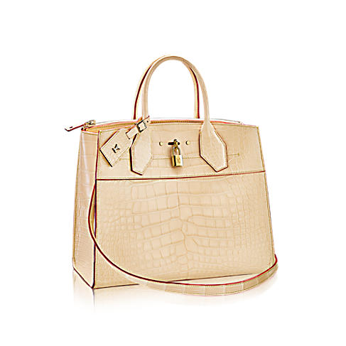 As It Quietly Whispers Lv But Is Something That I Would Want To Carry When Am Out And About Town 4250 For The Gm Visit Louisvuitton