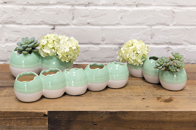 Cute cracked egg shell vases from Accent Decor
