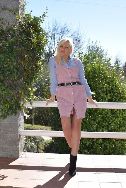 outfit abito scamiciato rosa abbinamento abito e camicia abito sopra camicia outfit rosa come abbinare il rosa mariafelicia magno fashion blogger colorblock by felym fashion blogger italiane blogger italiane how to wear pink pink outfit