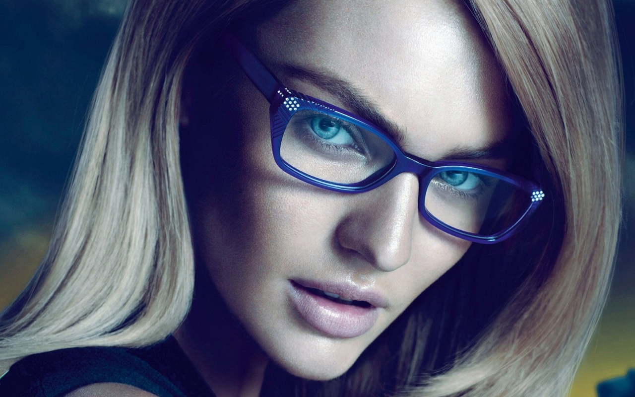 Sexy Model With Glasses 120