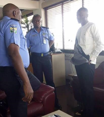Apostle Suleman spotted at Police Headquarters after Stephanie Otobo Filed A $5m Lawsuit(PHOTOS)1