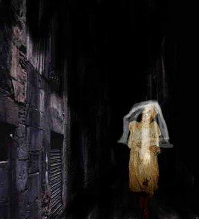 Foto de la Llorona en el pasadizo de un cementerio