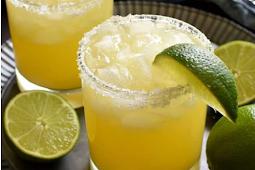 Pineapple Margaritas #cocktail #recipedrink