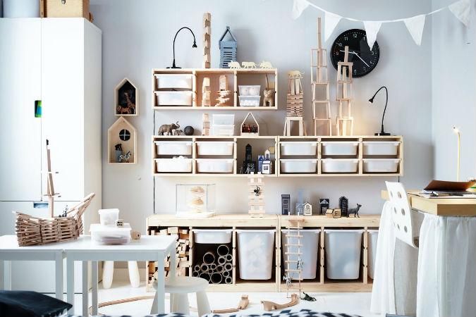 trucos de madre - organizar el hogar con cajas y pegatinas personalizadas