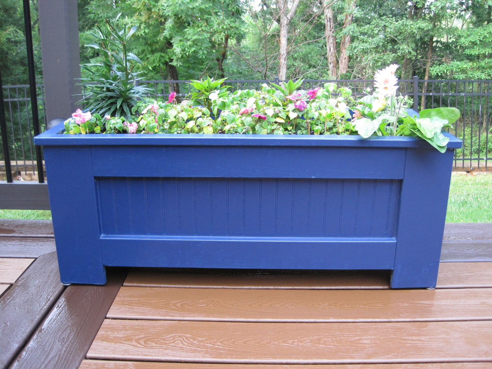 Diy Deck Flower Boxes Saved By Grace Diy Planter Boxes