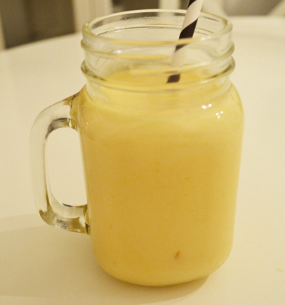 smoothie with mango and greek yogurt